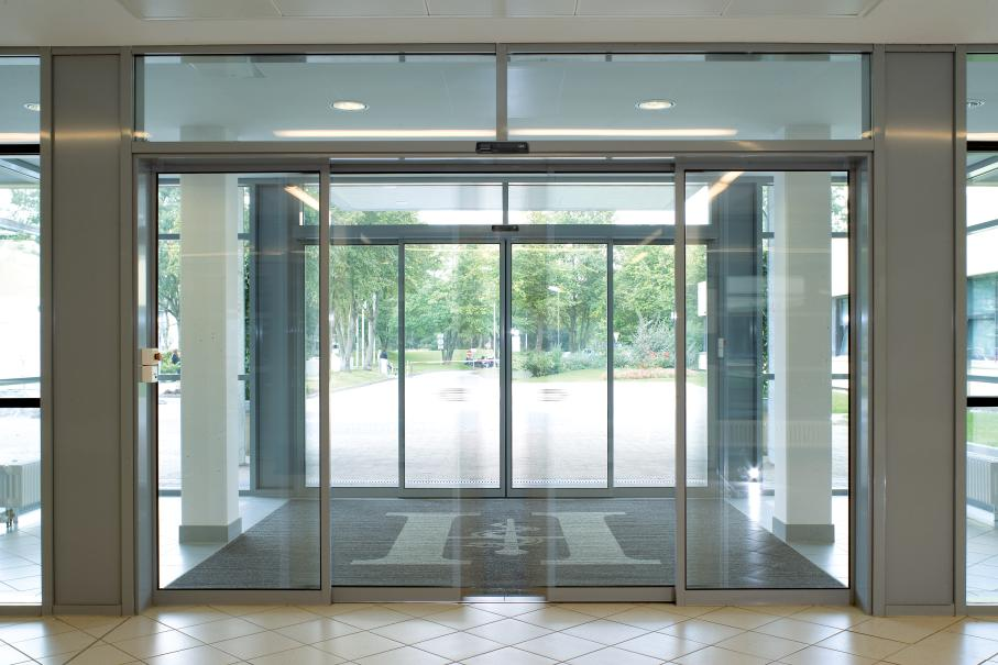 Automatic Fire Doors : Automatic sliding doors comech engineering specialists